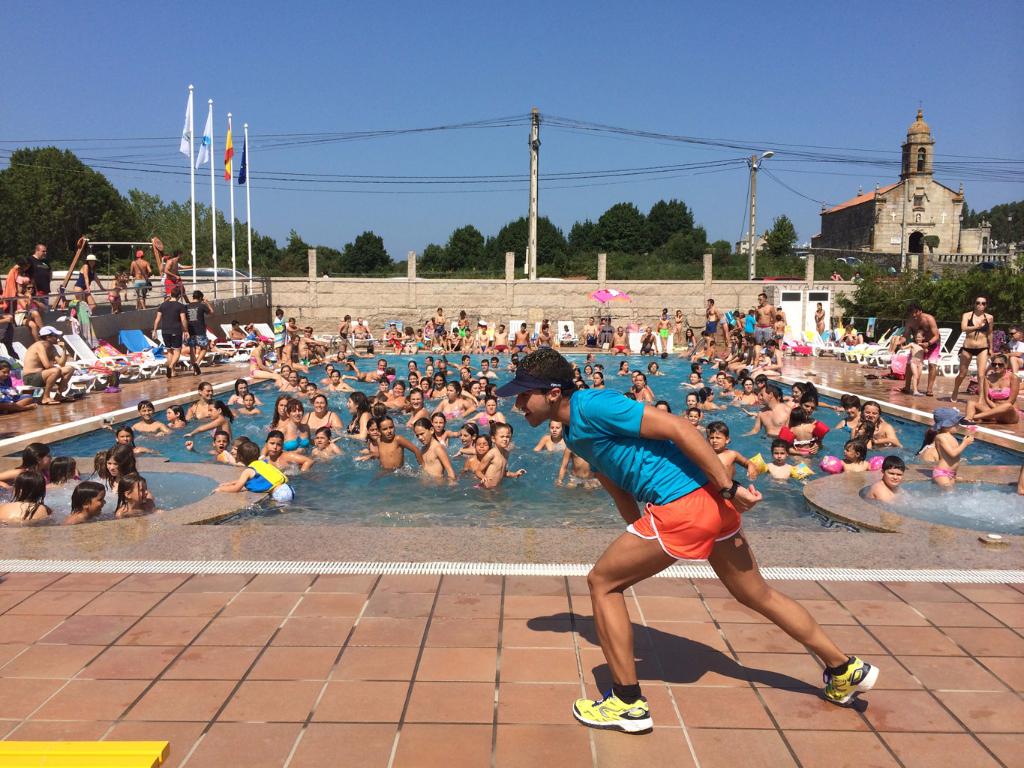 Actividades para escolares en la piscina Camping Paisaxe